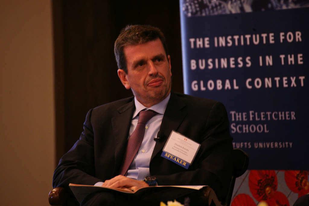 Καθηγητής στην Έδρα Καραμανλή στη Σχολή Fletcher του Πανεπιστημίου Tufts